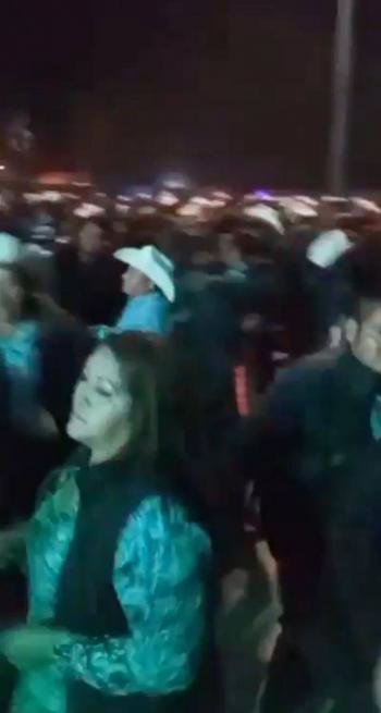 Video: Pese a Covid-19, en Sonora realizan baile masivo