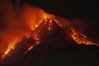 La espectacular erupción del volcán Etna en Italia [Galería]