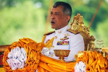 Tailandia condena  43 años de cárcel a una mujer por insultar al rey