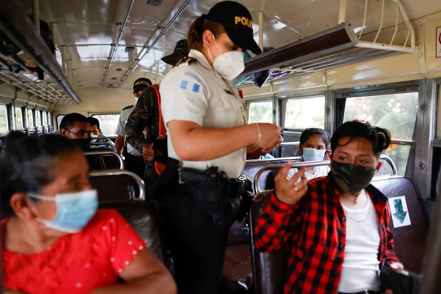 Guatemala envía migrantes de vuelta a Honduras