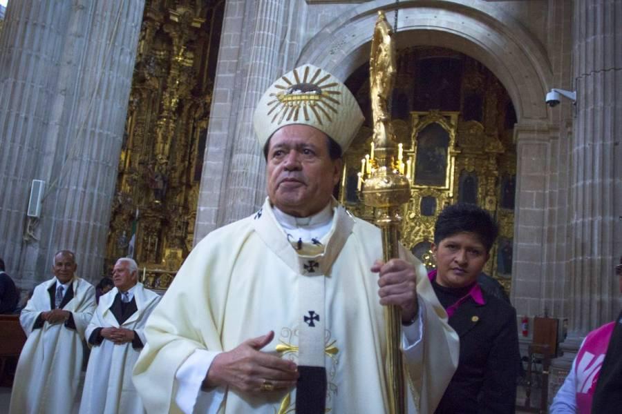 Dan extremaunción al Cardenal Norberto Rivera tras intubación por COVID-19