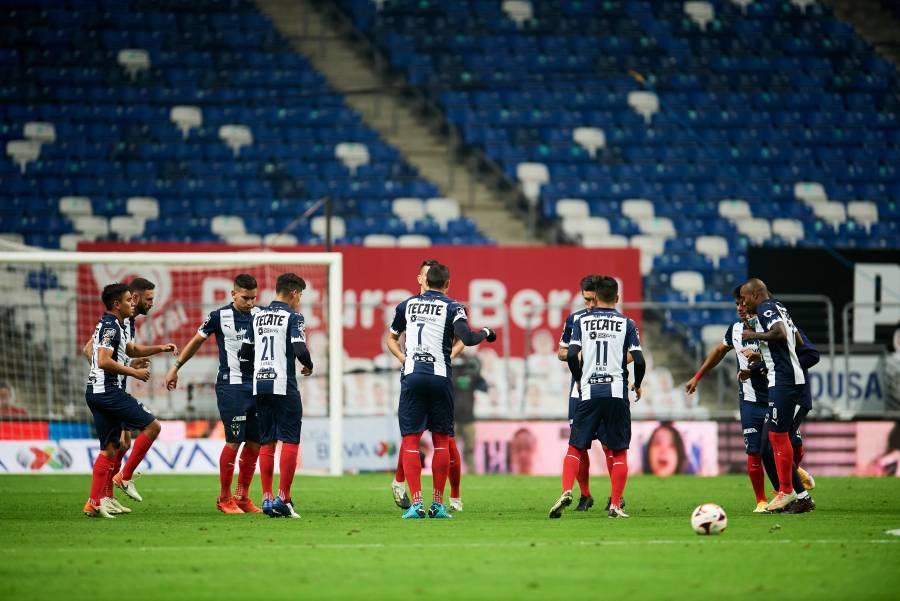 Por brote de COVID-19, Liga MX pospone partidos de los Rayados