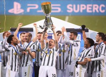 Juventus se lleva la Supercopa de Italia a costa del Napoli