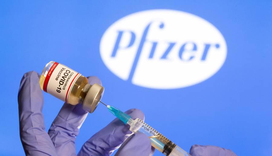 Pfizer dice que su vacuna es  eficaz contra la variante británica