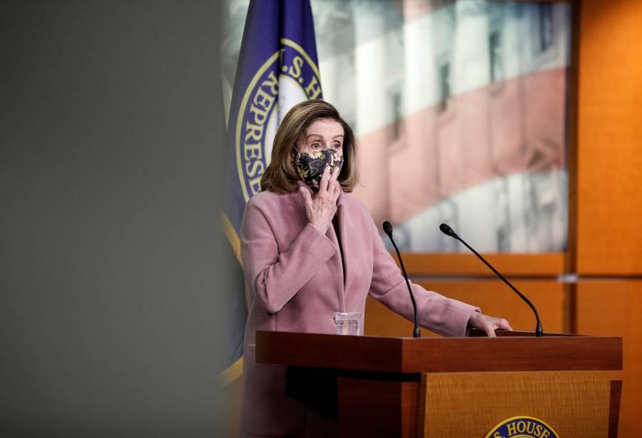 Nancy Pelosi planea presentar una demanda contra Trump