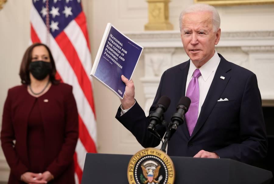"""Biden lanza """"plan de Guerra"""" para combatir el Covid"""