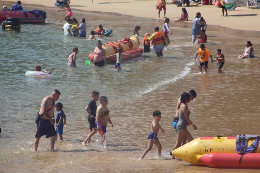 Por turismo y festejos, 7 estados regresan a rojo