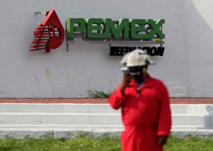 En riesgo refinerías de Pemex por menos empleados
