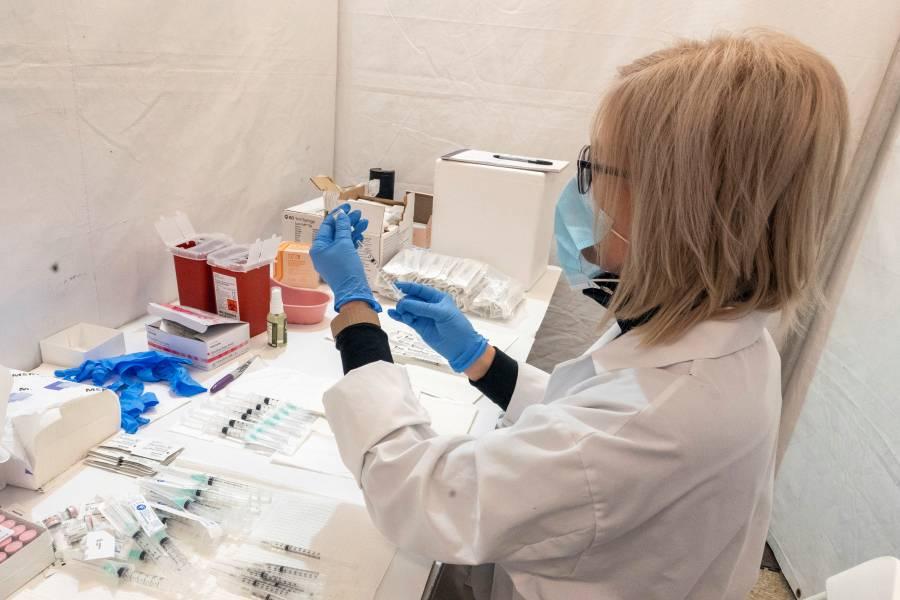 Mutación Covid 19 de Sudáfrica es más preocupante: NIH