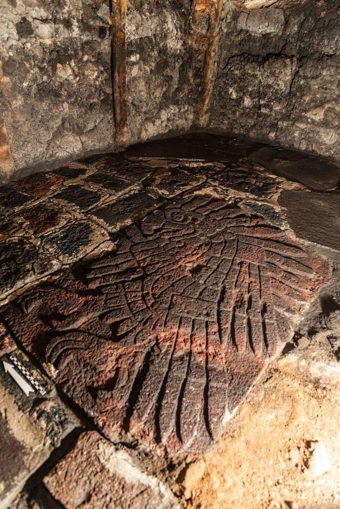 Nuevo descubrimiento, en Templo Mayor hallan bajorrelieve de un águila real