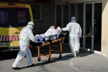 España registra récord de infecciones de COVID-19 durante el fin de semana, con más de 90 mil casos