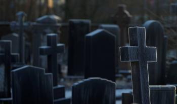 Supera Reino Unido los  100,000 muertos por Covid