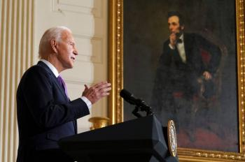 Biden quita a privados  gestión de cárceles