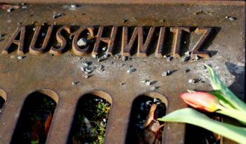Sobrevivientes del Holocausto conmemoran aniversario de liberación con evento en línea