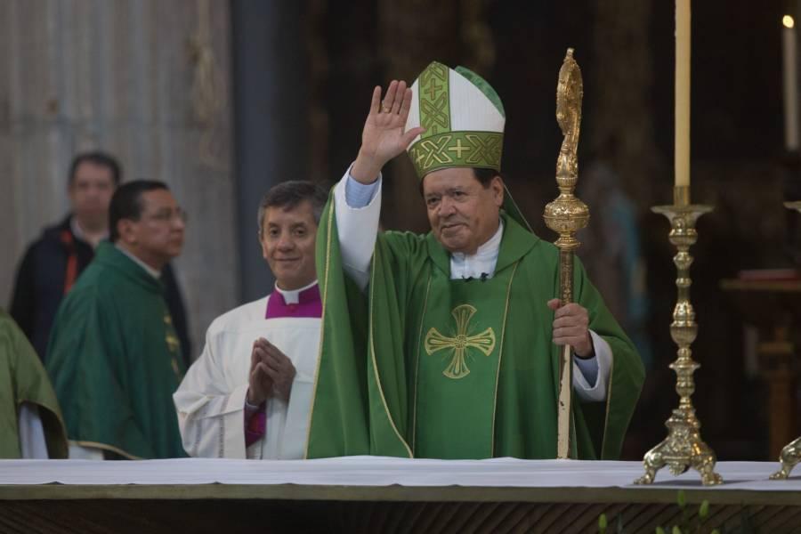 Mejora ante Covid-19 el arzobispo Norberto Rivera, fue desintubado
