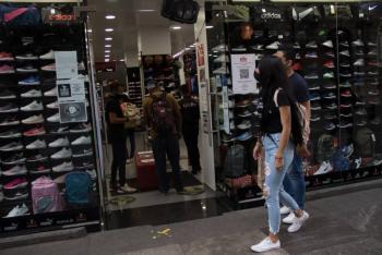 Comercios en la CDMX solo podrán atender al aire libre y de martes a sábado