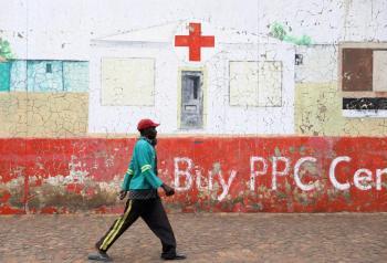 Pide la OMS a países ricos, compartir las vacunas con los pobres
