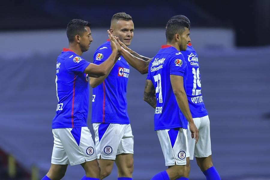 Cruz Azul se luce y golea a Querétaro en el Estadio Azteca