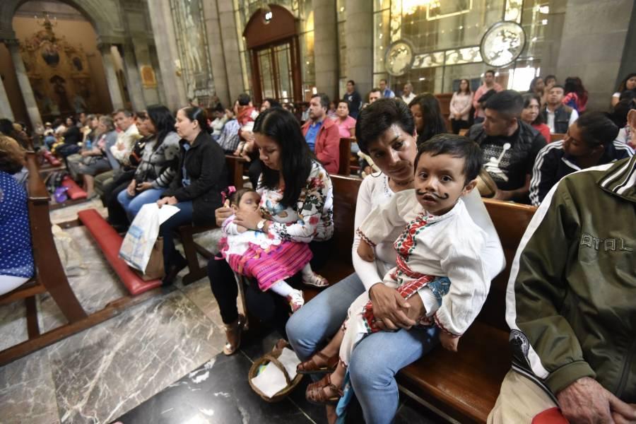"""Disminuye el catolicismo en México, la Iglesia reconoce un """"desgaste moral"""""""