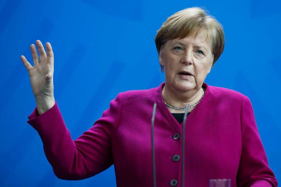 Mantiene Angela Merkel compromiso de vacunación a 73 millones de adultos antes de septiembre