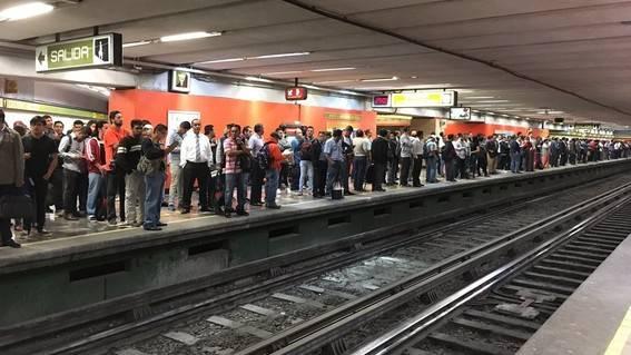 Reinicia operaciones Línea 3 del metro con 15 trenes