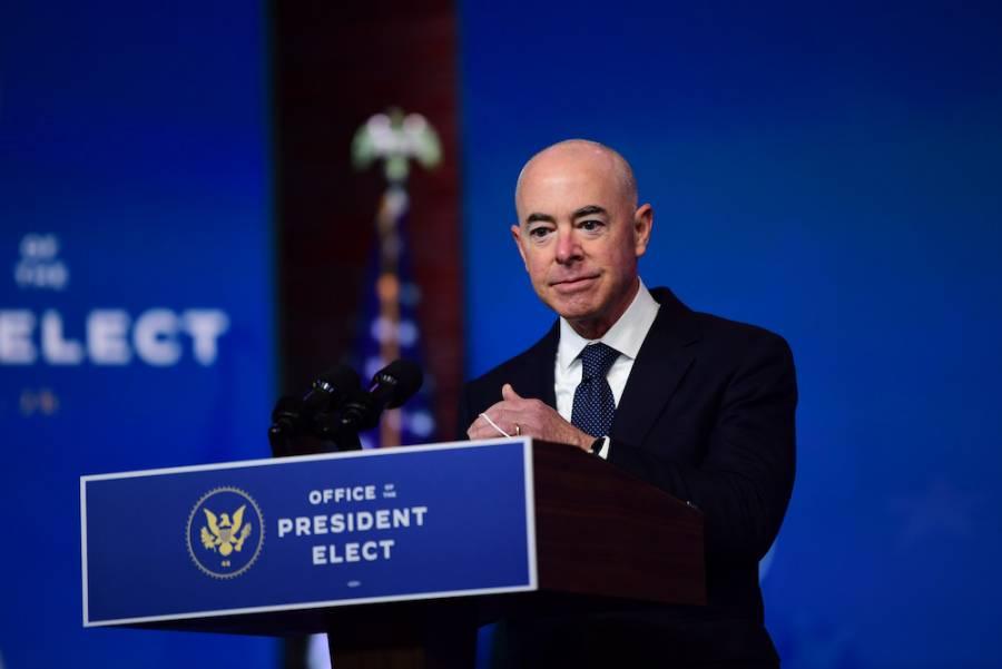 Confirma Senado de EE. UU. a Alejandro Mayorkas como secretario de Seguridad Nacional