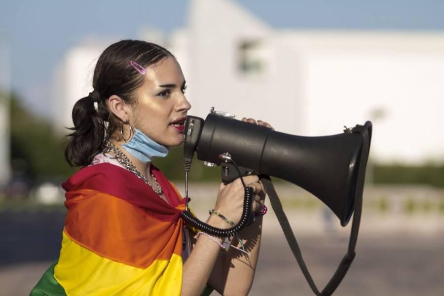 Menores transexuales podrán cambiar de sexo sin informe médico, en España