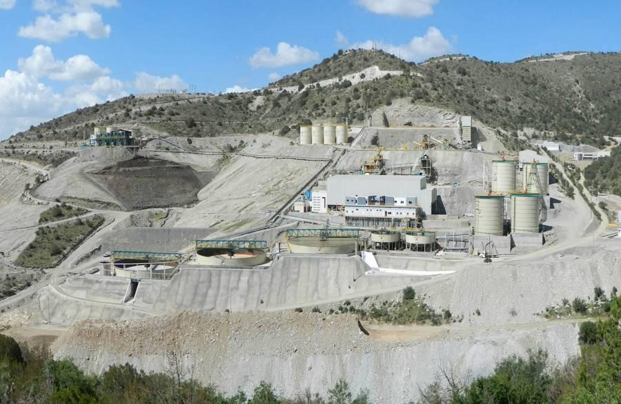 SAT va tras 500 mdd de minera canadiense First Majestic