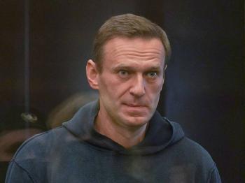 Corte de Rusia sentencia a Alexei Navalny a tres años y medio de cárcel