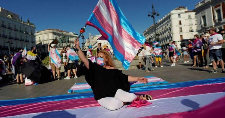 España estudia facilitar el proceso de autodeterminación de género