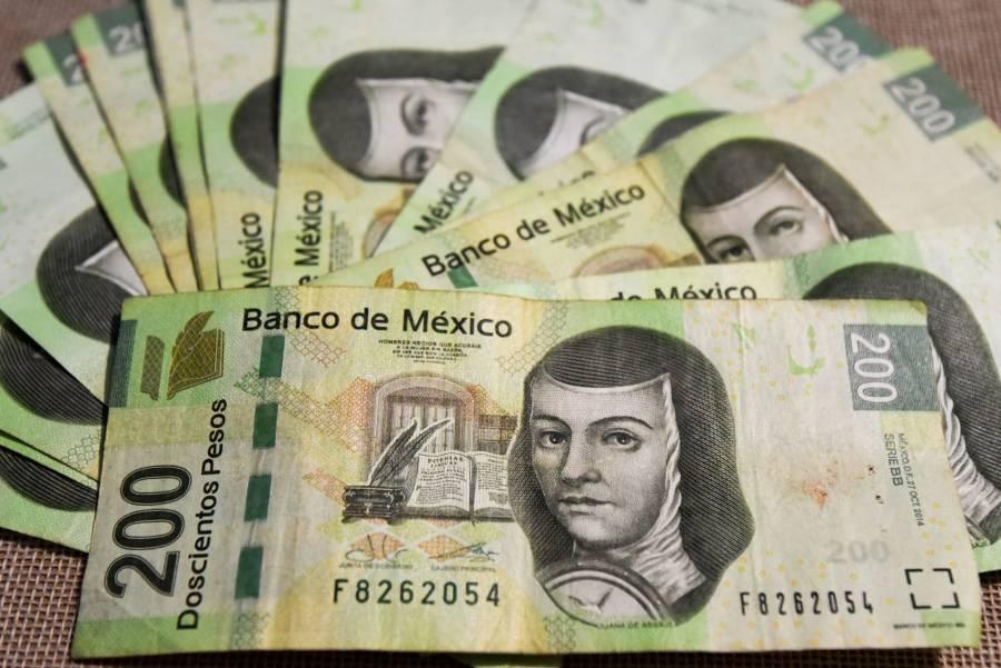Peso mexicano pierde ante fortalecimiento global del dólar