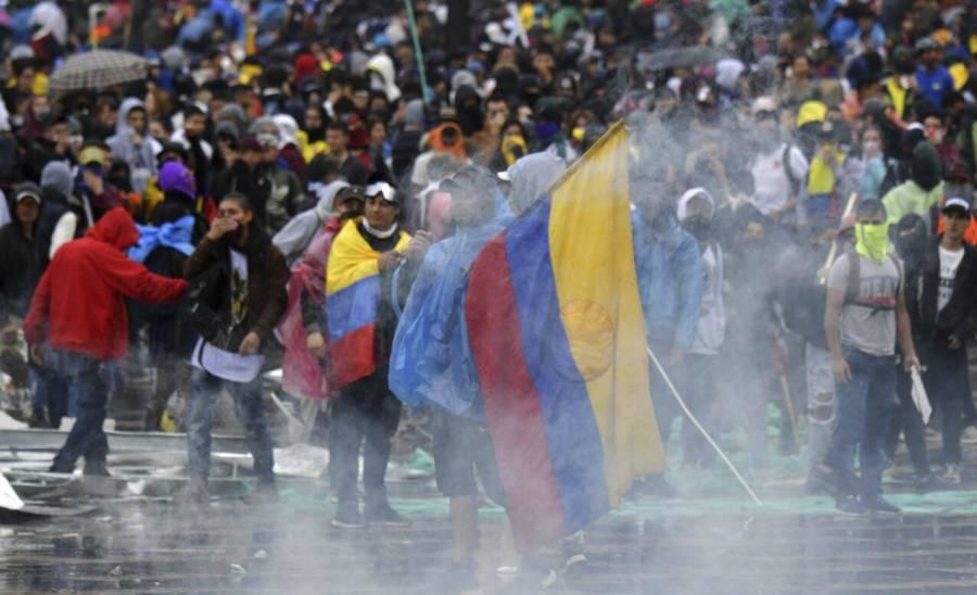 En pandemia, democracia  retrocede 70% en el mundo