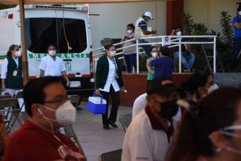 En México ya vacunaron a 700 mil 316 personas