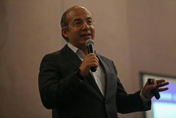 Calderón critica reforma eléctrica y Nahle lo acusa de endeudar a CFE
