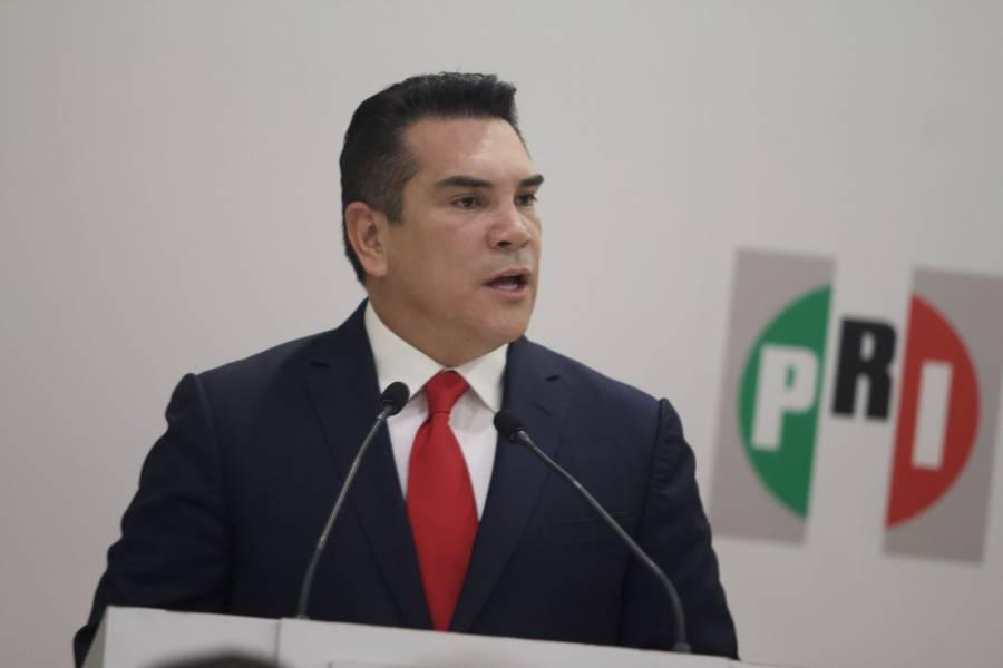 Militantes del PRI piden la renuncia de Alejandro Moreno por apoderarse de candidaturas a diputados