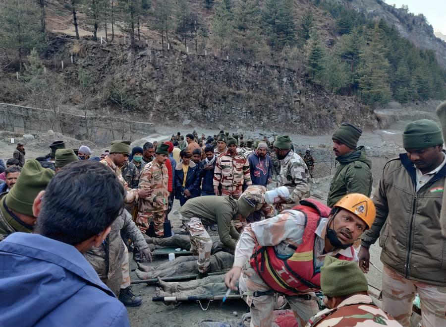 Se fractura glaciar en el Himalaya;  deja 9 muertos y 150 desaparecidos