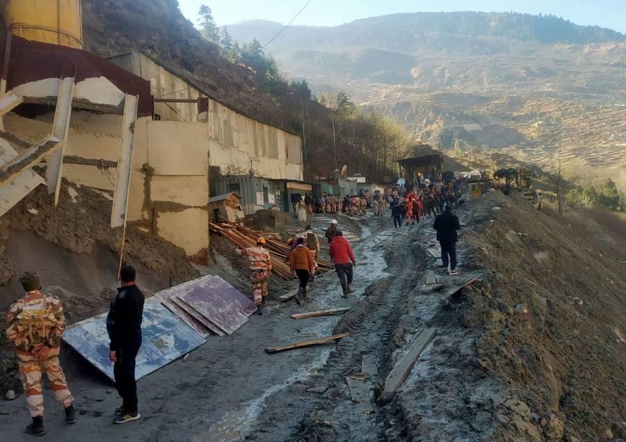 Continúa la búsqueda de desaparecidos tras avalancha en el Himalaya
