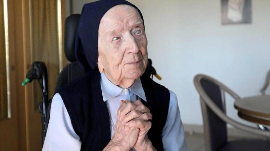 Monja francesa de 117 años, supera al COVID-19