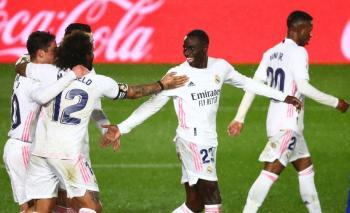 Real Madrid vence al Getafe y sigue vivo en LaLiga