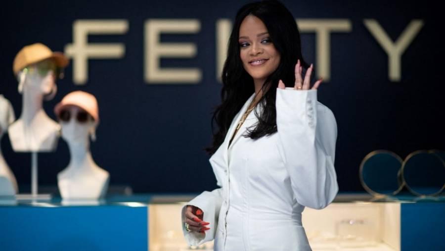 Rihanna pone en pausa la firma de ropa Fenty