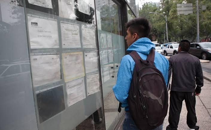 Mexicanos hacen retiros récord en enero por desempleo
