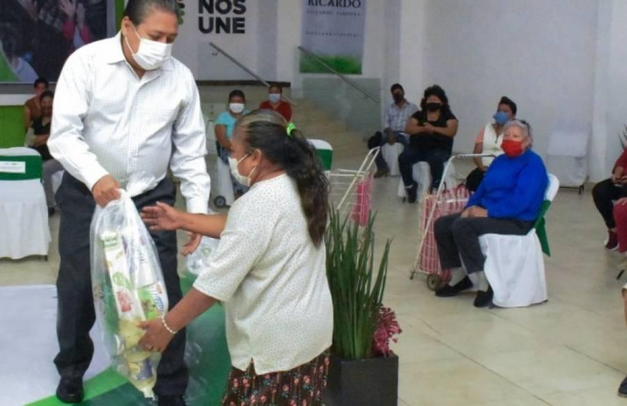 Autoridades de Soledad realizan entrega de apoyo alimentario