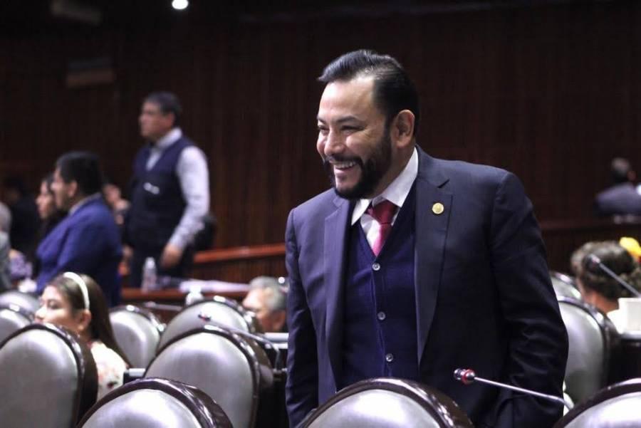 """El """"Pollo"""" seguirá sumando simpatías aseguró el diputado federal Héctor Serrano"""
