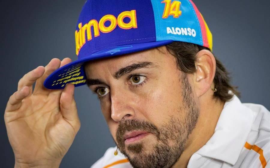 Operan al piloto español Alonso por fractura de mandíbula