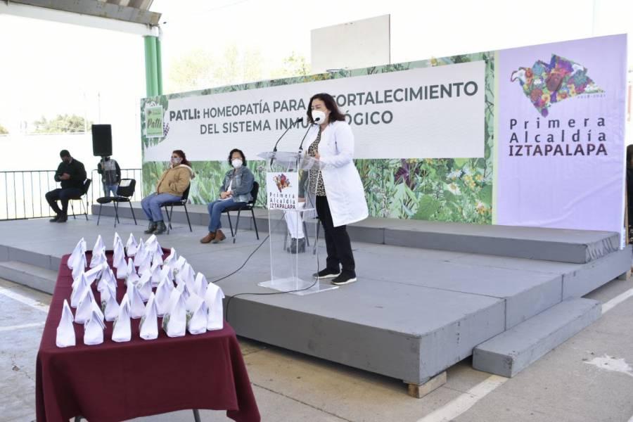 Alcaldesa de Iztapalapa presenta programa de distribución de medicamentos homeopáticos preventivos de Covid-19