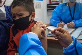 Oxford y AstraZeneca probarán por primera vez en niños su vacuna contra COVID-19