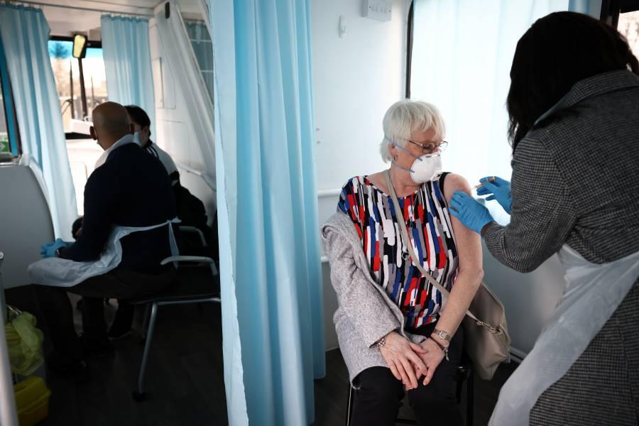 Más de 15 millones de personas vacunadas en el Reino Unido