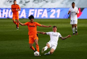 Real Madrid vence a Valencia y consigue su tercer triunfo al hilo en La Liga
