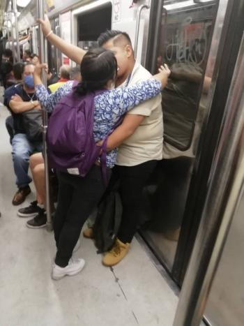 Historias en el metro: Amor en naranja