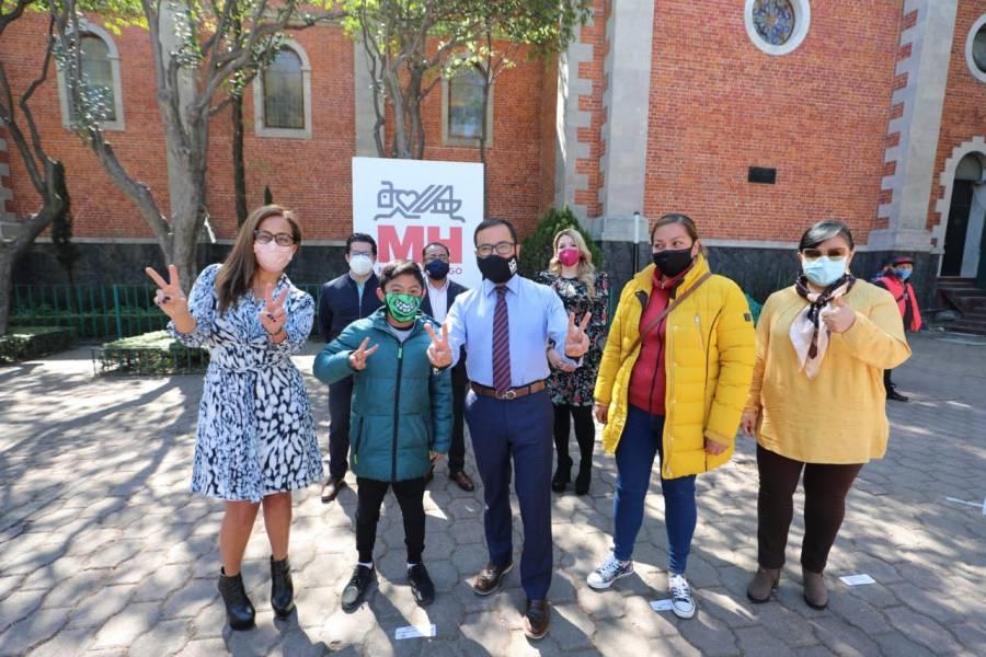 En Miguel Hidalgo, benefician a niños con donación de anteojos